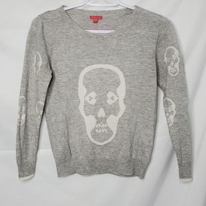MENU fitted 3/4 sleeve skull crew neck sweater